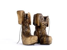 Knight boots (notelaar) ca.35x35x30cm